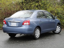 2010 Toyota Yaris sedan