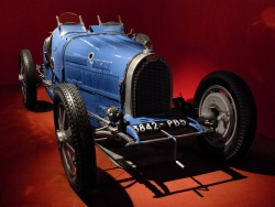 Bugatti Type 35; photo by Wikipedia user Don't Panic!