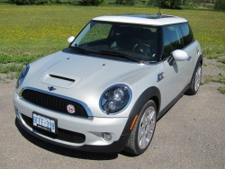 From the Vault: Cross Country Mini Cooper auto articles luxury cars mini travel car test drives