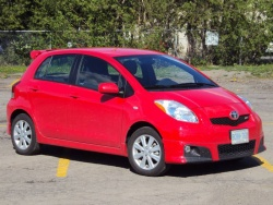 2010 Toyota Yaris RS hatchback