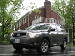 Test Drive: 2010 Toyota Highlander four cylinder toyota car test drives