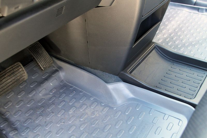 Husky vehicle floor liners