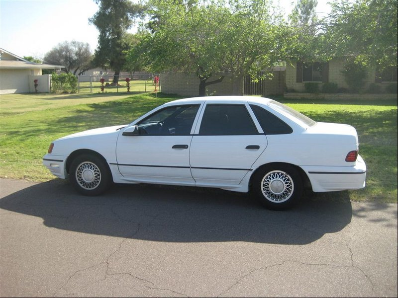 1990 Ford Taurus SHO; photo courtesy CarDomain.com user SHOorGTFO