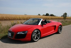 Test Drive: 2011 Audi R8 Spyder 5.2 luxury cars audi car test drives