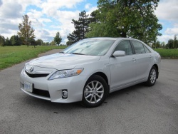 Test Drive: 2011 Toyota Camry Hybrid toyota car test drives hybrids