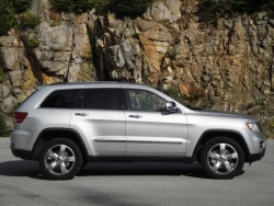 Test Drive: 2011 Jeep Grand Cherokee Overland 5.7 4X4 jeep car test drives