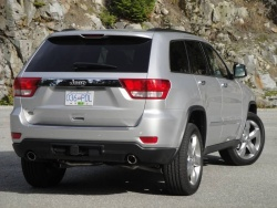 Test Drive: 2011 Jeep Grand Cherokee Overland 5.7 4X4 car test drives jeep