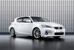 Preview: 2011 Lexus CT 200h greenreviews
