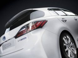 Preview: 2011 Lexus CT 200h car previews luxury cars lexus hybrids