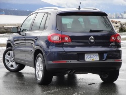 Test Drive: 2011 Volkswagen Tiguan Comfortline 4Motion volkswagen car test drives reviews auto articles