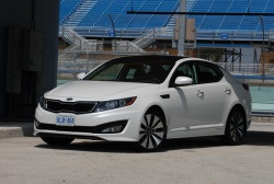 First Drive: 2011 Kia Optima reviews kia first drives auto articles