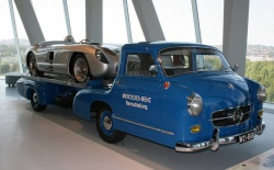1955 High-Speed race car transporter with 1955 300 SLR