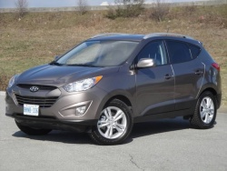 Test Drive: 2011 Hyundai Tucson GLS AWD car test drives reviews hyundai auto articles