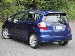 Test Drive: 2011 Honda Fit Sport  car test drives reviews makes honda auto articles