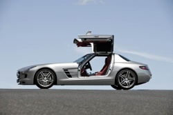 First Drive: 2011 Mercedes Benz SLS AMG first drives