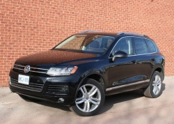 Test Drive: 2011 VW Touareg TDI Execline volkswagen car test drives reviews diesel