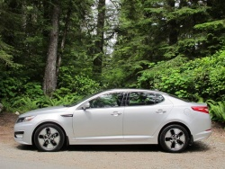 First Drive: 2011 Kia Optima Hybrid auto articles