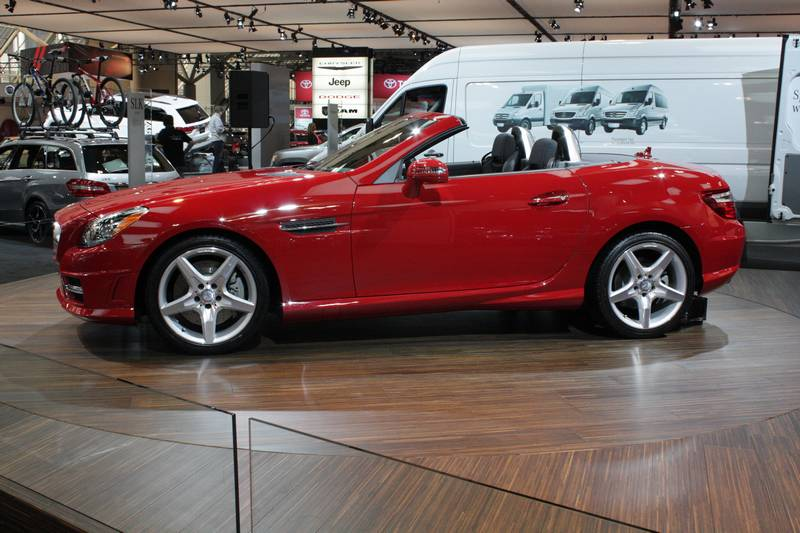 Mercedes-Benz premieres new SLK-Class sports car