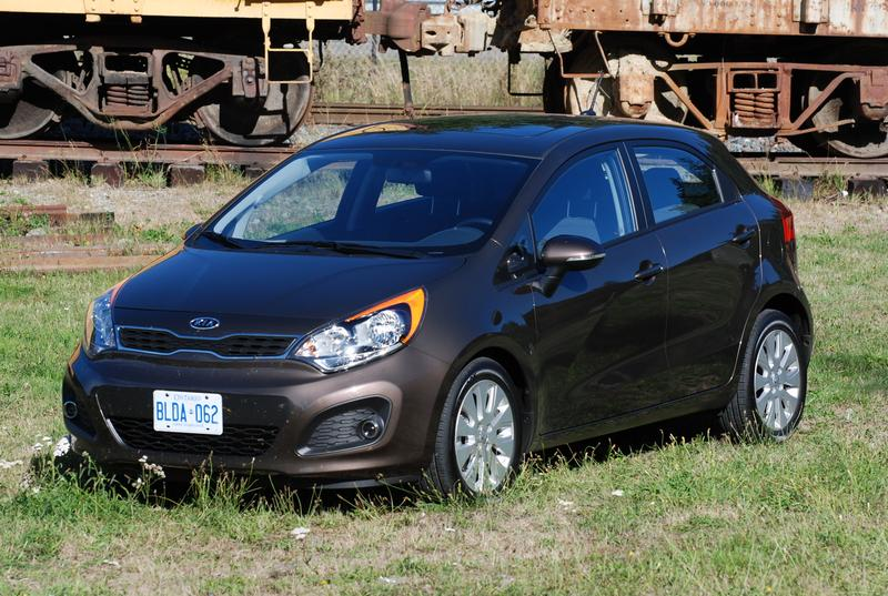 http://www.autos.ca/galleries/2012/images/kia/2012_kia_rio/2012-kia-rio-5door_gy_008-1299.jpg