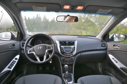 Day by Day Review: 2012 Hyundai Accent GLS Hatchback hyundai daily car reviews
