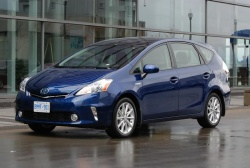 First Drive: 2012 Toyota Prius v first drives