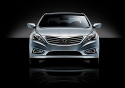 Hyundai unveils all new Azera in Los Angeles general news auto shows 2012 autoshows 2011 los angeles auto show