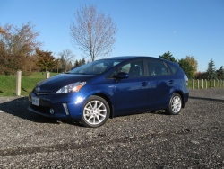 Test Drive: 2012 Toyota Prius V toyota car test drives hybrids
