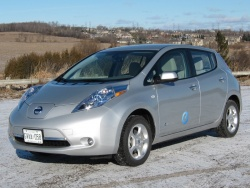 Test Drive: 2012 Nissan Leaf SL car test drives reviews nissan electric green news