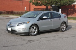 Test Drive: 2012 Chevrolet Volt car test drives reviews hybrids chevrolet