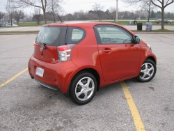 Test Drive: 2012 Scion iQ reviews