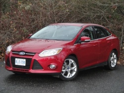 Test Drive: 2012 Ford Focus SEL sedan car test drives reviews ford