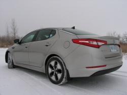 Long term Test Arrival: 2011 Kia Optima Hybrid green reviews