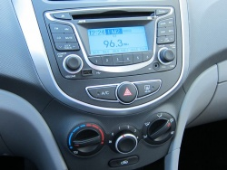 Test Drive: 2012 Hyundai Accent GL sedan hyundai