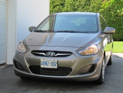 2012 Hyundai Accent GL sedan