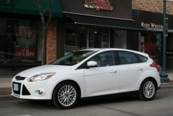 Test Drive: 2012 Ford Focus SEL hatchback ford