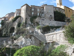 Eze viewed from below on the Chemin de Nietzsche