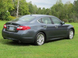 Test Drive: 2012 Infiniti M Hybrid car test drives luxury cars infiniti hybrids