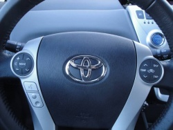 Test Drive: 2012 Toyota Prius V  toyota car test drives reviews hybrids green scene