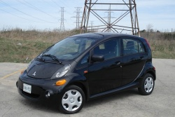 Test Drive: 2012 Mitsubishi i MiEV car test drives reviews mitsubishi green scene