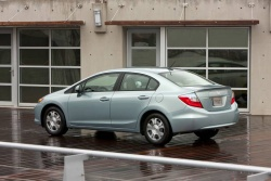 First Drive: 2012 Honda Civic auto articles videos reviews green scene honda hybrids first drives
