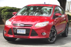 Test Drive: 2012 Ford Focus SE car test drives reviews ford