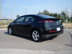 Test Drive: 2012 Chevrolet Volt car test drives reviews green scene chevrolet