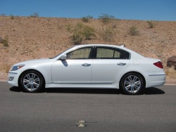 First Drive: 2012 Hyundai Genesis auto articles reviews luxury cars hyundai first drives