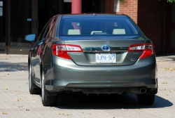 Test Drive: 2012 Toyota Camry Hybrid XLE greenreviews