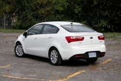 Test Drive: 2012 Kia Rio Sedan car test drives reviews kia