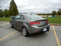 Test Drive: 2012 Kia Forte Koup car test drives reviews kia