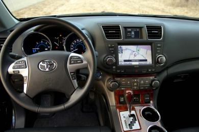 Test Drive:  2013 Toyota Highlander Hybrid Limited toyota car test drives hybrids