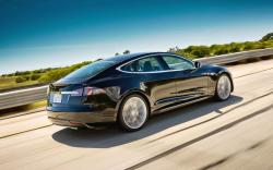 Preview: 2013 Tesla Model S tesla reviews car previews electric green news