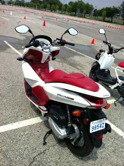 Quick Spin: Honda PCX150 and Giorno Scooters car test drives honda