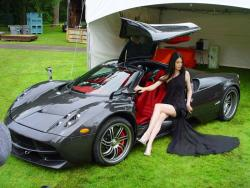 2013 Pagani Huayra Carbon Edition